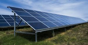 Blog Image_Solar Panel_shutterstock_320493959